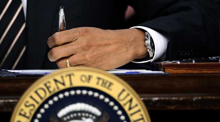 Obama Issues Executive Actions on Guns