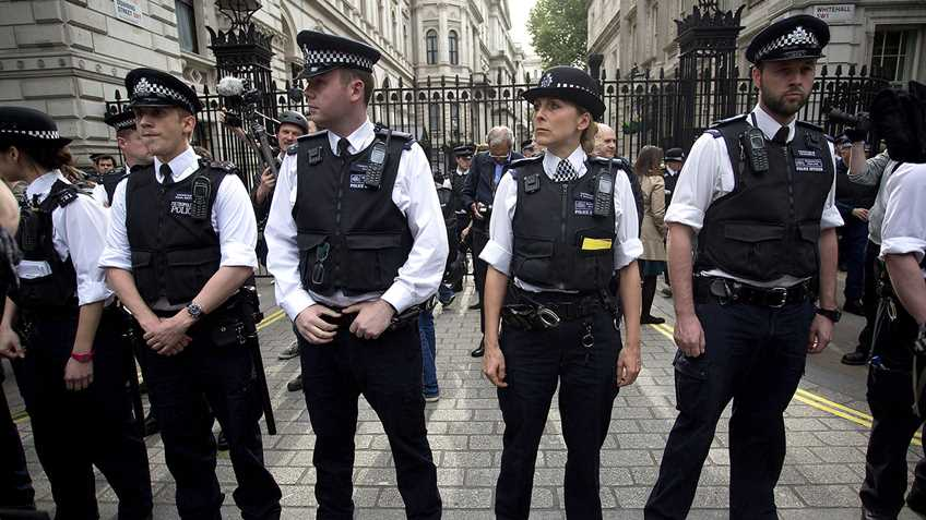 UK Police Tell Subjects Not to Harm Their Attackers, Get a Rape Alarm