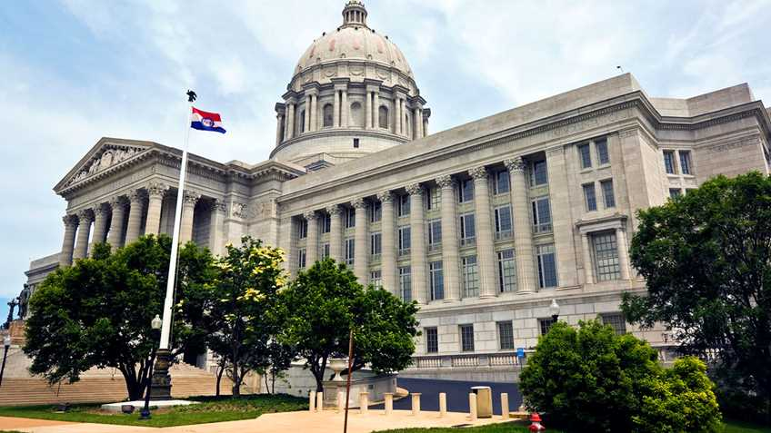 Missouri: Legislature Convenes for 2017 Legislative Session