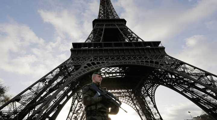 "Anti-gun Politicians, Media Exploit Paris Attacks in ""Terrorist Gap"" Rehash"